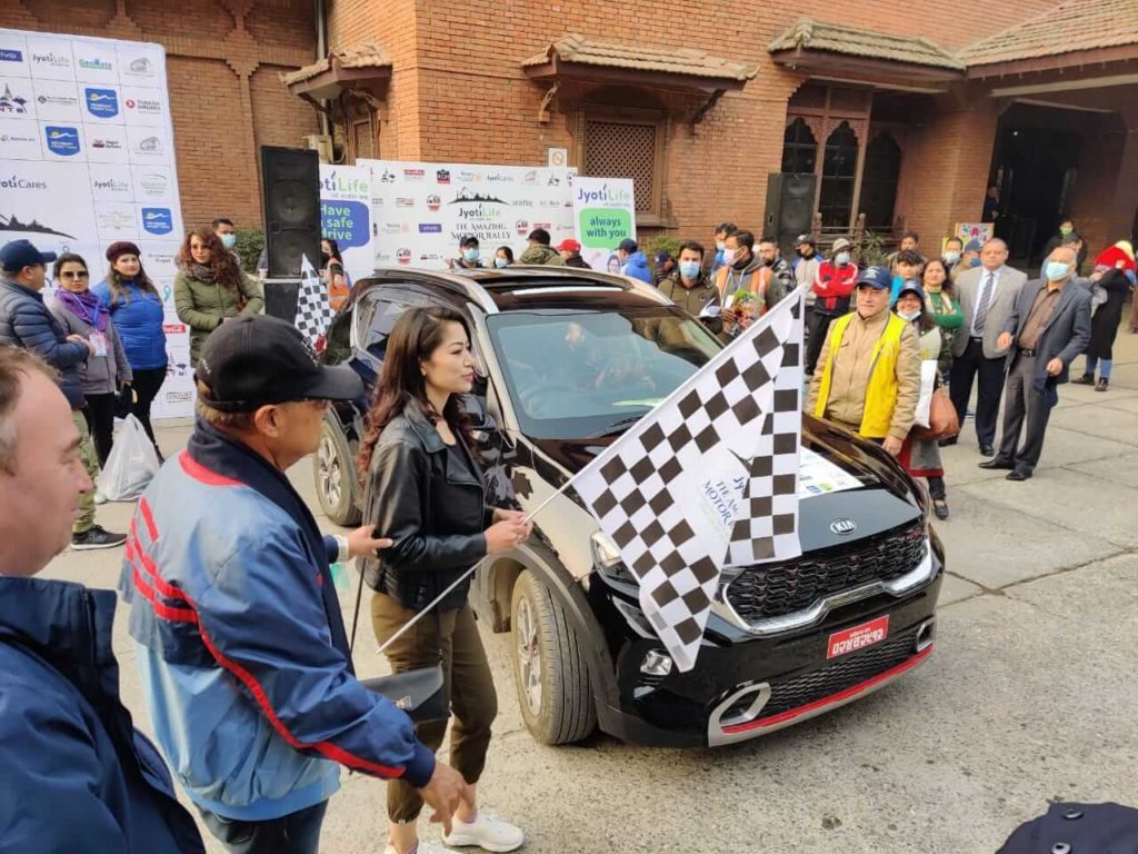 Flag off at the Amazing Motor Rally 2021