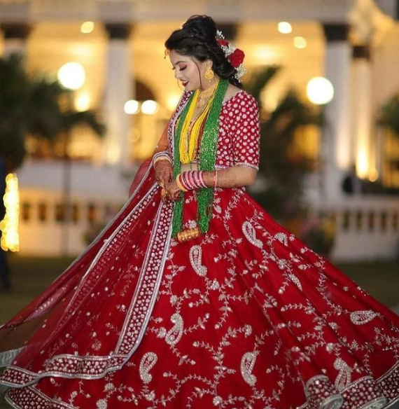 aakarshan boutique offering bridal collections